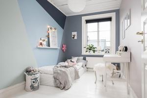 Barnrummet med kreativa färglösningar. Foto: Länsförsäkringar fastighetsförmedling