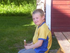 Glassbilden är avslutningen på min och mitt barnbarn Iljas, 8 år, trevliga tågresa på Inlandsbanan mellan Hoting och Jokkmokk.