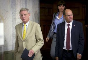 Carl Bildt (M) och Urban Ahlin (S), utrikespolitiska företrädare för sina respektive partier.