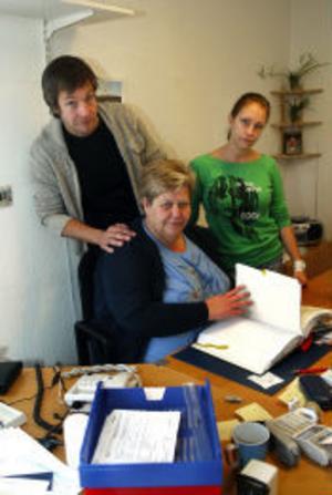 Bengt Risby, Eva Lindholm och Anna Ulander är tre av de 18 anställda vid Ledsagarna.