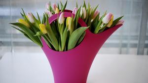 Våren är vasernas tid. Se över din vassamling för att matcha blombuketterna bäst.