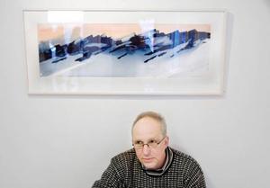 """""""Jag är vinter. På sommaren målar jag ingenting"""", säger Bengt            Jacobsson, som visar akvareller och monotypier i en sevärd utställning på Galleri Remi. Foto: Ulrika Andersson"""
