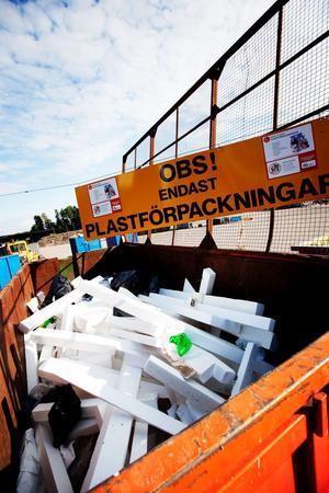 Plast av olika slag har kommunens invånare varit flitiga att sortera och lämna i de containrar som finns i Björnhyttan och i Fredriksberg.