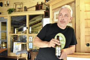 Jörgen Andersson inne i Mora bryggeri.