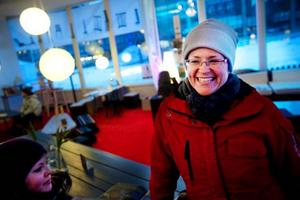 Susanne Nyström, Svenstavik:– Vi har varit här i helgen och sovit över. Vi har tittat på  hockeymatchen, skidtävlingen och ljusspelen. En Vinter-festival är en bra idé att ha i Jämtland och det passade bra nu när det var sportlov, säger hon.