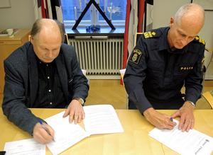 Kenneth Persson och Mats Lagerblad är överens om att västra Borlänge, dit bland annat Tjärna Ängar hör, ska prioriteras även under 2017.