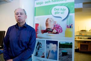 Kommunens miljöchef Göran Eriksson hoppas att man under fredagen får klarhet i om det är ett virus, och i så fall vilken sort, som tagit sig in i dricksvattnet i Saxdalen.