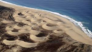 Sanddynerna tornar upp sig på Sals grannö Boa Vista.