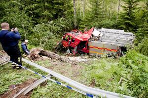 Den kraschade brandbilen finns nu i Borlänge, där trafikpolisen håller på med en undersökning av den.