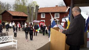 Helmut Hoffmann markerade mot SD i sitt välkomsttal.