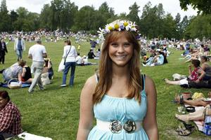 Rebecca Zufic var en av många midsommarfirare vid Djäkneberget.