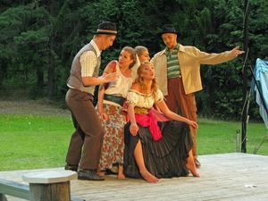 Tivoligruppen sjunger kvintett, William, Emma, Julia, Hannah, Martino. Foto: Åke Tyleskog.