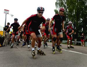Starten. Det var 45 inlinesåkare, 38 män och sex kvinnor, som deltog i loppet. Foto:Jan Dalevall