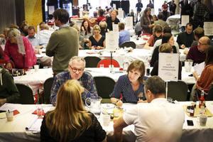 20 jurygrupper, bestående av branschfolk och lekmän, bedömde produkter i 40 olika klasser.
