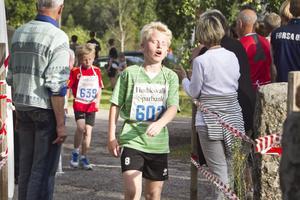Emil Forsberg från Hybo pustar ut efter sina två kilometer.