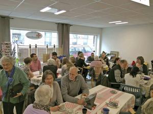 Mellan 60 och 70 personer kom till lördagens språkcafé.