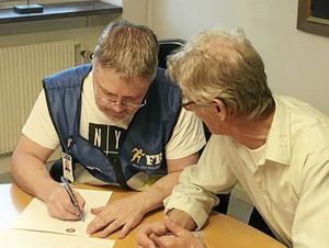 Jonas Larsson intervjuar Michael Blixt, frivillig inom FRG Avesta.
