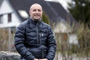 Anders Svensson laddar batterierna hemma i Edsbyn, och laddar för en ny säsong – frågan är om det blir i Ryssland igen eller Sverige?