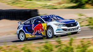 Sebastian Eriksson och Joni Wiman premiärkörde Honda Civic i Global Rallycross Championships i Phoenix. Nästa deltävling hålls i Dallas, Texas, den 4 juli.