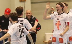 Tränaren Marco Juuska lät spelarna själva välja vilka som skulle ta straffarna under avgörandet mot Gävle GIK. Det blev segerdraget.