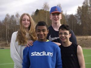 Fyra duktiga ungdomar i Ragunda; Emilia Axelsson och Hugo Johnson som båda gått vidare till Miki Herkel. Längst fram David Palmquist och Zakariya Zahid.    Foto: Sylvia Axelsson