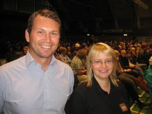 Joakim Carlsson är ordförande för Ung Företagsamhet i Gävleborg och Helene Åkerlind är regionchef.