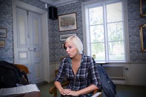 Maria Petersén är från Sandviken men bor i Göteborg där hon går på teaterhögskolan. Nu hoppas hon få göra karriär på hemmaplan.