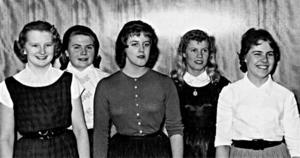LINGBO 1957. Ulla Löfstrand, född Eriksson, Anna-Greta Blomqvist, född Jonsson, Astrid Hedlund, född Lingman, Gun Karlsson, född Eklund, och Ulla Rutström, född Åström.Foto: Arkiv Gävleborg