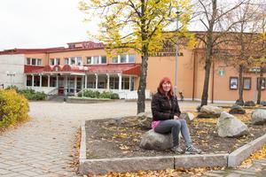 På måndag kommer Linda Lundberg (V) att delta i sitt första fullmäk tigemöte i Folkets Hus i Hofors.