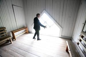 Ljusinsläppen i Gåxsjö kyrka är dramatiska, här kommer att visas världsunik konst, det blir unik musik och en rad spännande fördrag. Gert Andersson har satt ihop ett unikt program