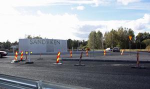 En del av ett större konstverk är redan på plats i rondellen som byggs i Sandviken.Foto: Roger Wallenius