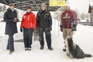 Linda Vikström och Yhlva Dahl fixade maten, Tomas Färnlund kom med skotrarna och Martin Svensson arrenderar campingen där det fanns möjlighet att provköra under lördagen.