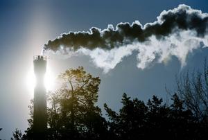 Sveriges klimatpåverkande utsläpp ökar nu igen, efter att ha minskat under flera år, skriver artikelförfattaren.