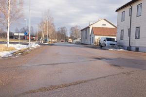 Ringvägen i Krylbo har sina brister. Tekniska räknar med upprustning av vägen under det närmaste året.