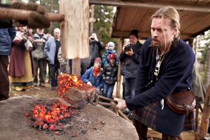 Järnframställning enligt vikingametod.