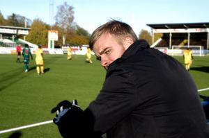 Mikael Eklund har förlängt med IK Brage i ytterligare en säsong.