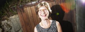 Hälsa på mamma i Färila är det första Lilian Wiklund gör när hon kommer hem.