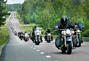 Det är en imponerande syn när det kommer hundratals motorcyklar på en gång. Bilden är från Hälsingland runt år 2005.