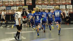 Hemmaklubbens killar i P 94 hade däremot lättare att hålla sig skratt. Det blev uddamålsförlust, 4–5, i finalen mot Hudik/Björkberg.