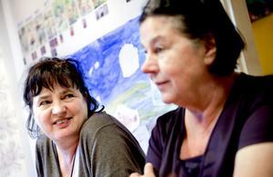 Ingrid Smitz och förskolechefen Siri Modig glädjer sig över vilka framsteg barnen på Eken har gjort sedan september.