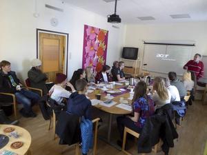 Stellan Bäcklund och Roger Sandström förmedlade information runt FN-föreningens projekt i Zimbabwe. Foto: Toli