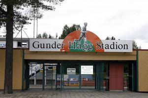 ...men även Gunder Hägg Stadion förtjänar en staty.foto: lasse halvarsson