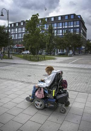 En Sundsvallsprofil har försvunnit ur stadsbilden. Leena Backlund blev 64 år.