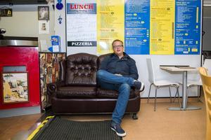 Pizzerior är en stor inspirationskälla för Robert Wiströms komedi.