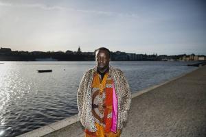 Binyavanga Wainaina besökte nyligen Sverige i samband med litteraturfestivalen Stockholm Literature, där han läste ur sin bok