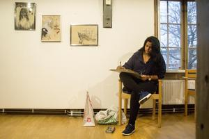 Även i år medverkar Runu Samuelsson i konstrundan med sina teckningar. I år finns hon på Kvarnen.