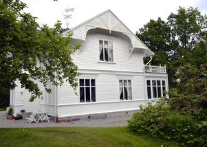 Ett av husen som fortfarande står kvar i Petersvik.