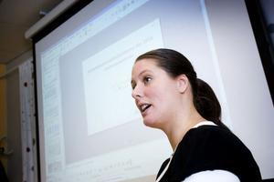 Erica Gelis, analytiker på arbetsförmedlingen.