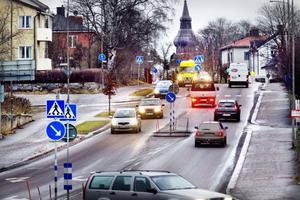 Vägarna i centrala Hudiksvall kommer få nya hastigheter nästa år, antingen 30 eller 40 kilometer i timmen.