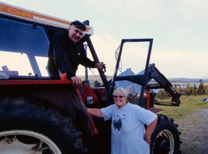 Gösta och Marianne fann varandra 1968 och trots att båda fyllt 80 i år är de fortfarande fullt verksamma på fjällägenheten i Blomhöjden.